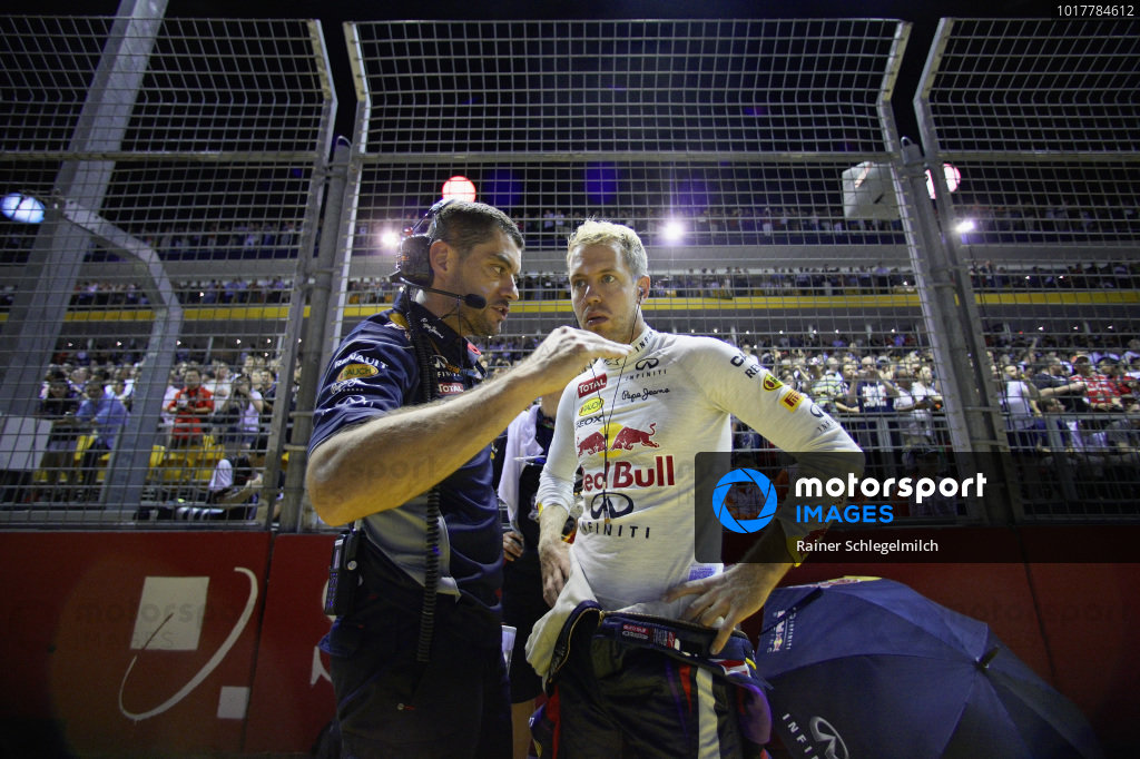 Sebastian Vettel and Guillaume Roquellin on the grid.