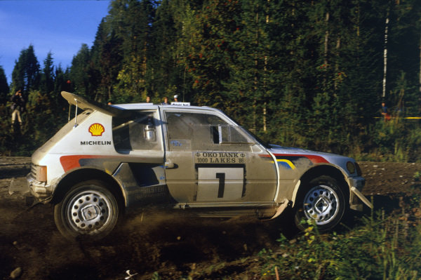 1000 Lakes Rally, Finland. 5th - 7th September 1986.Timo Salonen/Seppo Harjanne (Peugeot 205 T16 E2), 1st position, action. World Copyright: LAT PhotographicRef: 86RALLY06.