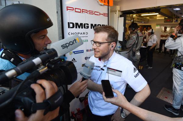 2017 Le Mans 24 Hours Circuit de la Sarthe, Le Mans, France. Sunday 18 June 2017 Andreas Seidl, Team Principal LMP1 Porsche Team World Copyright: Rainier Ehrhardt/LAT Images ref: Digital Image 24LM-re-16084
