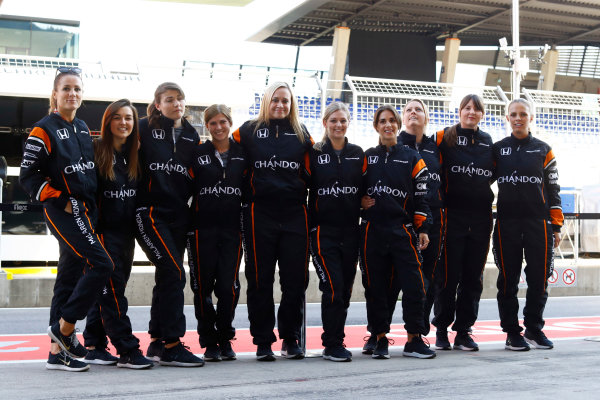 Red Bull Ring, Spielberg, Austria. Thursday 06 July 2017. The McLaren team organise an all-female pit stop. World Copyright: Steven Tee/LAT Images ref: Digital Image _O3I4809
