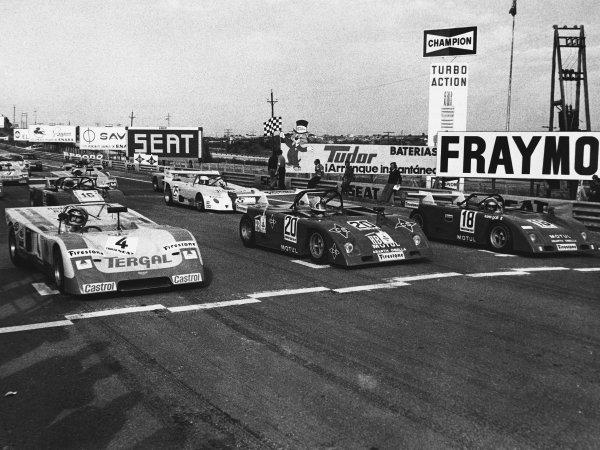 Jarama, Spain. 5th November 1972. Rd 9.Left to Right: John Watson (Chevron B21 Ford), 4th position, Jorge de Bagration (Abarth Osella SE-021), 9th position, Nanni Galli (Abarth Osella SE-021), 2nd position, Derek Bell (Osella Abarth SE-021), 1st position and Richard Scott (Lola T292 Vega), 12th position, action. World Copyright: LAT Photographic.Ref: B/W Print.
