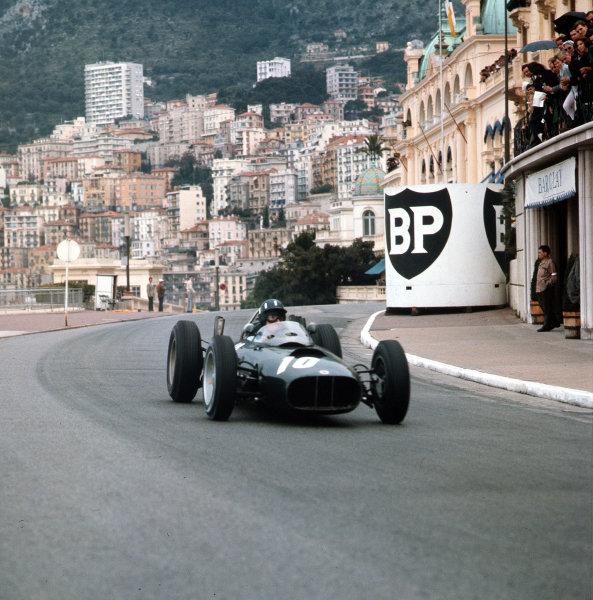 Monte Carlo, Monaco.31/5-3/6 1962.Graham Hill (BRM P57) 6th position.Ref-3/0520.world Copyright - LAT Photographic
