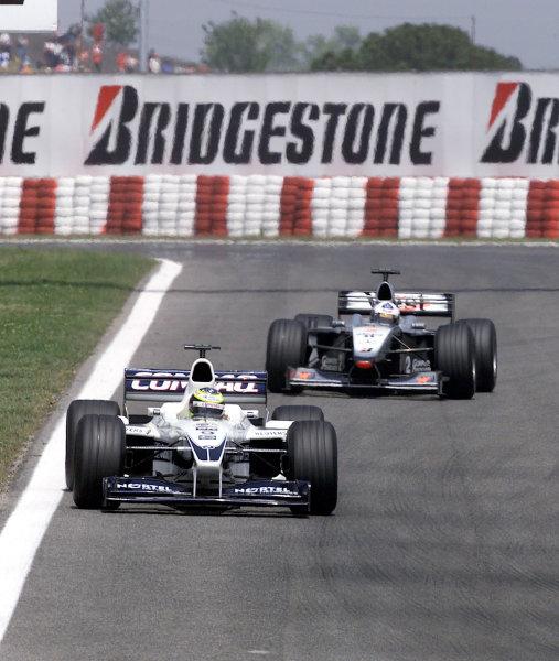 2000 Spanish Grand Prix.Ralf Schumacher leads David CoulthardBarcelona, Spain, 07-05-2000Pic Steve Etherington/ LATref: 18mb Digital. Race.