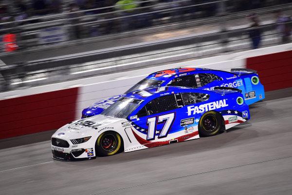 #17: Chris Buescher, Roush Fenway Racing, Ford Mustang Fastenal, #43: Erik Jones, Richard Petty Motorsports, Chevrolet Camaro Petty's Garage