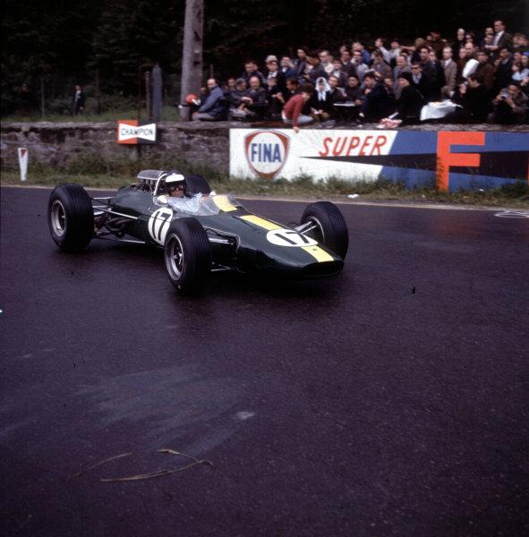 1965 Belgian Grand Prix.Spa-Francorchamps, Belgium.11-13 June 1965.Jim Clark (Lotus 33 Climax) 1st position.Ref-3/1708.World Copyright - LAT Photographic