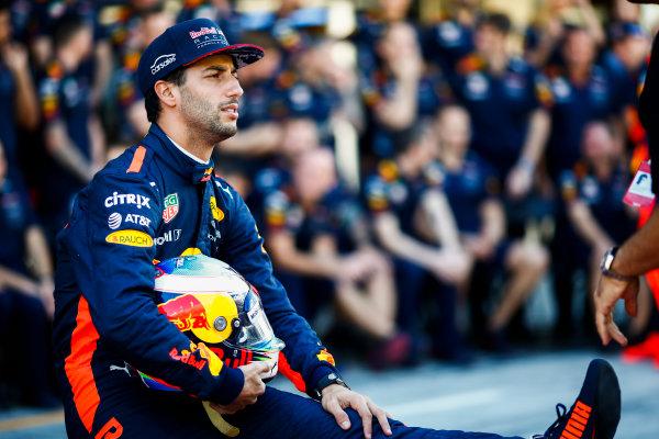 Yas Marina Circuit, Abu Dhabi, United Arab Emirates. Sunday 26 November 2017. Daniel Ricciardo, Red Bull Racing. World Copyright: Andy Hone/LAT Images  ref: Digital Image _ONY2605