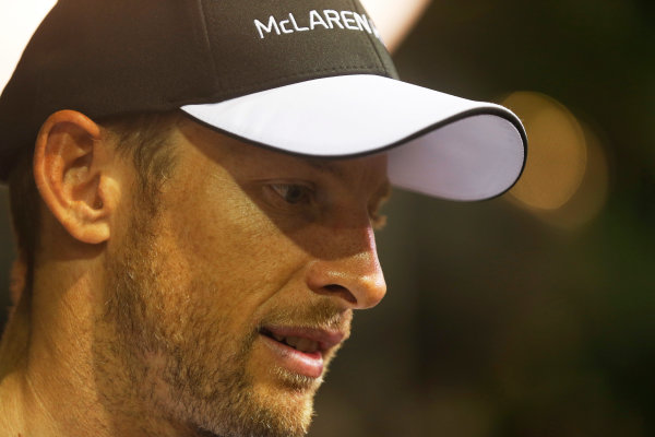Marina Bay Circuit, Singapore. Friday 18 September 2015. Jenson Button, McLaren. World Copyright: Alastair Staley/LAT Photographic ref: Digital Image _R6T4578