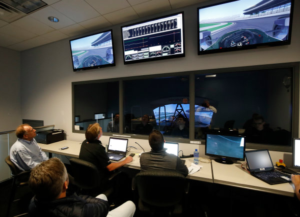 2017 Verizon IndyCar Series Fernando Alonso Simulator Test at HPD-I Brownsburg, Indiana, USA Tuesday 25 April 2017 Fernando Alonso in the Honda Performance Development simulator as the engineers watch from the control room  World Copyright: Michael L. Levitt LAT Images