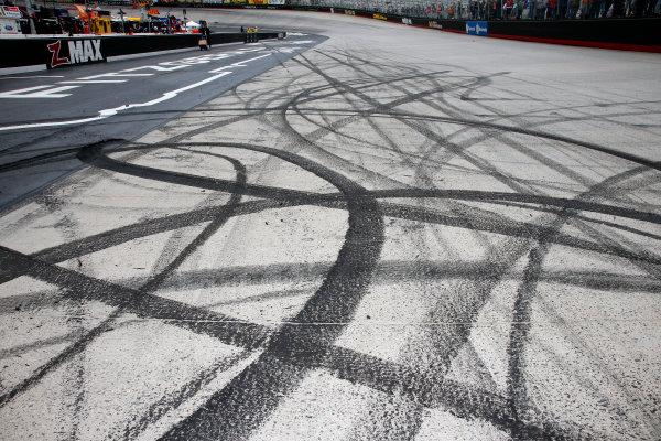 Monster Energy NASCAR Cup Series Food City 500 Bristol Motor Speedway, Bristol, TN USA Monday 24 April 2017 Jimmie Johnson burn out tire marks World Copyright: Lesley Ann Miller LAT Images ref: Digital Image lam_170424BMS36677