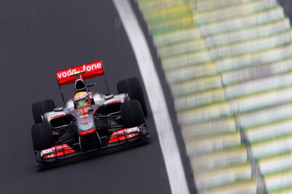 Interlagos, Sao Paulo, Brazil. 6th November 2010. Lewis Hamilton, McLaren MP4-25 Mercedes. Action.  World Copyright: Andrew Ferraro/LAT Photographic ref: Digital Image _Q0C9308
