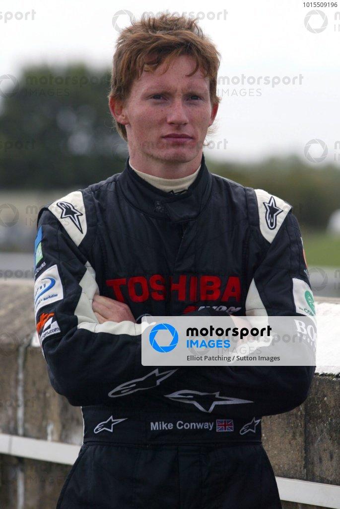 Mike Conway (GBR) Raikkonen Robertson Racing.British Formula Three, Thruxton, England.23rd September 2006DIGITAL IMAGE