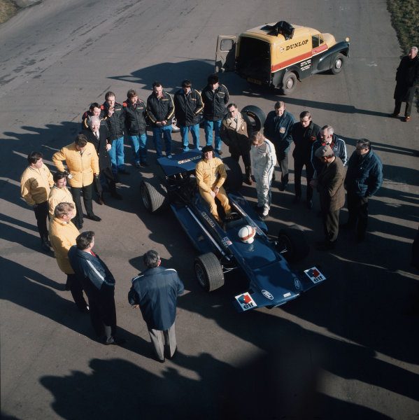Jackie Stewart, Johnny Servoz-Gavin and the Tyrrell team.Ref-3/3883I.World Copyright - LAT Photographic