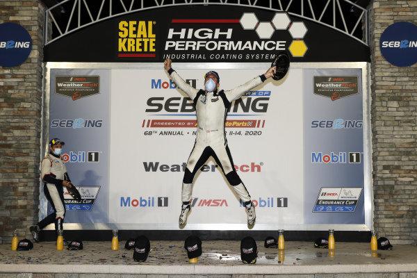 #52 PR1 Mathiasen Motorsports ORECA LMP2 07, LMP2: Patrick Kelly, podium