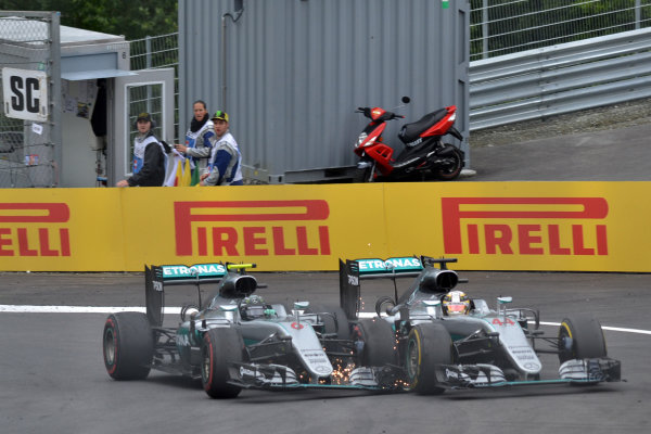 Nico Rosberg (GER) Mercedes-Benz F1 W07 Hybrid and Lewis Hamilton (GBR) Mercedes-Benz F1 W07 Hybrid collide on the last lap at Formula One World Championship, Rd9, Austrian Grand Prix, Race, Spielberg, Austria, Sunday 3 July 2016. BEST IMAGE