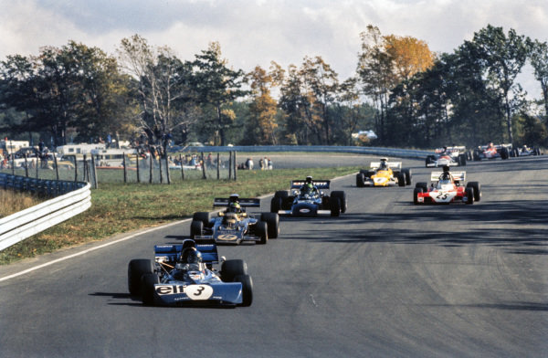 Patrick Depailler, Tyrrell 004 Ford, leads Reine Wisell, Lotus 72D Ford, Henri Pescarolo, March 721 Ford and a gaggle of cars.