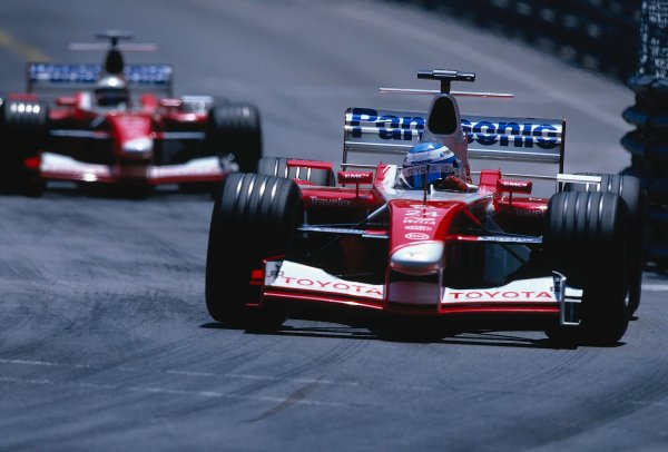 2002 Monaco Grand Prix.Monte Carlo, Monaco. 23-26 May 2002.Mika Salo followed by team mate Allan McNish (both Toyota TF102's).Ref-02 MON 19.World Copyright - LAT Photographic