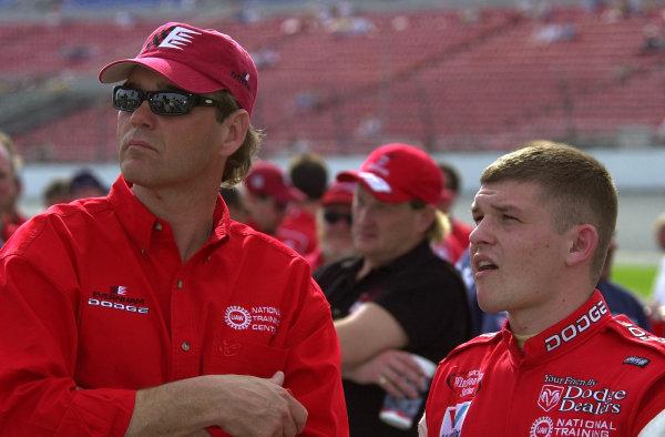 Team owner Ray Evernham (L) and rookie driver Casey Atwood.NASCAR Daytona 500 18 Feb 2001Daytona International Speedway Daytona Beach, Florida, USACopyright-F Peirce Williams 2001 LAT PHOTOGRAPHIC