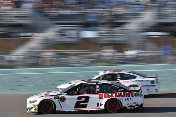 #2: Brad Keselowski, Team Penske, Ford Mustang Discount Tire, #38: David Ragan, Front Row Motorsports, Ford Mustang Thank You David