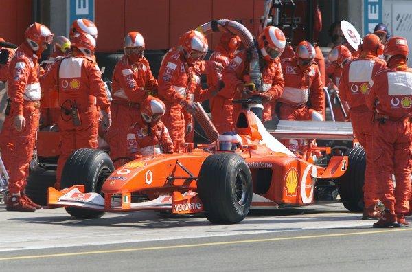 2002 USA Grand Prix - RaceIndianapolis, USA, 29th September 2002Rubens Barrichello (Ferrari F2002).World Copyright: Steve Etherington/LATref: Digital Image Only