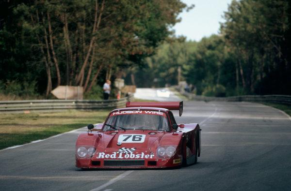 1982 Le Mans 24 hours. Le Mans, France. 19th - 20th June 1982. Bob Akin / Dave Cowart / Kenper Miller (Porsche 935L-1), retired, action.   World Copyright: LAT Photographic. Ref: 82LM43.