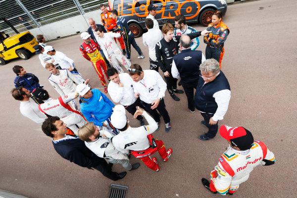 2014/2015 FIA Formula E Championship. London e-Prix, Battersea Park, London, UK. Saturday 27 June 2015. The drivers at the first corner as a new chicane is put in. World Copyright: Zak Mauger/LAT Photographic/Formula E. ref: Digital Image _L0U7713