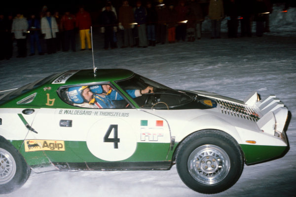Swedish Rally, Sweden. 13th - 15th February 1975.Bjorn Waldegaard/Hans Thorszelius (Lancia Stratos), 1st position, action. World Copyright: LAT Photographic.Ref: Colour Transparency 75RALLY02.