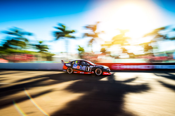 2017 Supercars Championship Round 7.  Townsville 400, Reid Park, Townsville, Queensland, Australia. Friday 7th July to Sunday 9th July 2017. Scott Pye drives the #2 Mobil 1 HSV Racing Holden Commodore VF. World Copyright: Daniel Kalisz/ LAT Images Ref: Digital Image 070717_VASCR7_DKIMG_1970.jpg