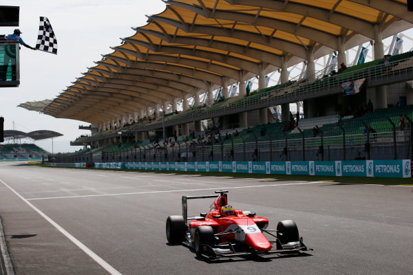 Jake Dennis (GBR, Arden International) crosses the finish line in first place 2016 GP3 Series Round 8 Sepang International Circuit, Sepang, Malaysia. Sunday 2 October 2016  Photo: /GP3 Series Media Service ref: Digital Image _SLA4737