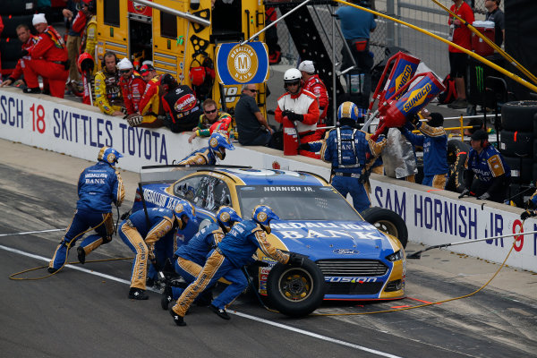 24-26 July, 2015, Indianapolis, Indiana USA Sam Hornish Jr pit stop ©2015, Michael L. Levitt LAT Photo USA