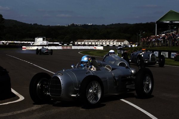 Goodwood Estate, West Sussex, England. 14th September 2012. Silver Arrows Demonstration. World Copyright: Gary Hawkins/LAT Photographic. Ref: Digital Image only