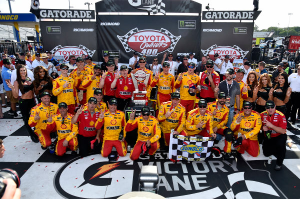 Monster Energy NASCAR Cup Series Toyota Owners 400 Richmond International Raceway, Richmond, VA USA Sunday 30 April 2017 Joey Logano, Team Penske, Shell Pennzoil Ford Fusion wins. World Copyright: Rusty Jarrett LAT Images ref: Digital Image 17RIC1rj_4440