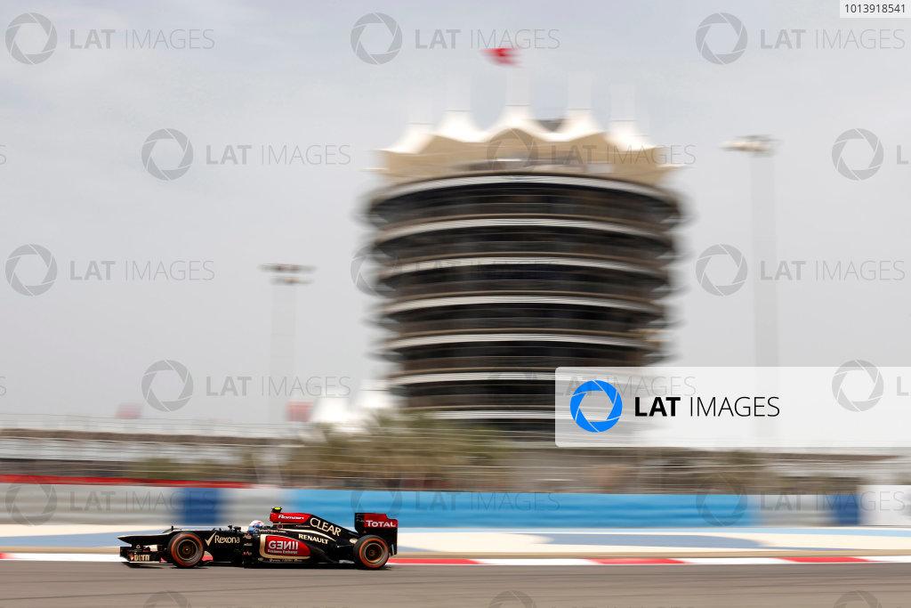 Bahrain International Circuit, Sakhir, Bahrain Friday 19th April 2013 Romain Grosjean, Lotus E21 Renault.  World Copyright: Andrew Ferraro/LAT Photographic ref: Digital Image _79P9411