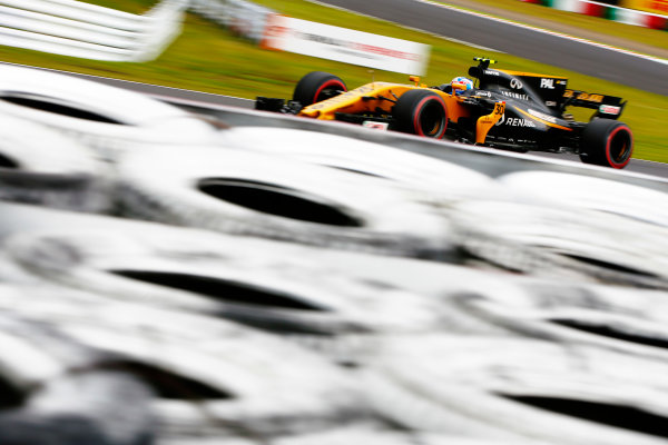 Suzuka Circuit, Japan. Saturday 07 October 2017. Jolyon Palmer, Renault R.S.17. World Copyright: Andy Hone/LAT Images  ref: Digital Image _ONY7547