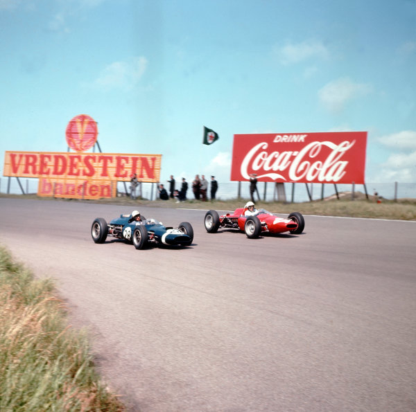 Zandvoort, Holland.21-23 May 1963.Jo Bonnier (Cooper T60 Climax, number 28) and Phil Hill (ATS 100).Ref-3/0961I.World Copyright - LAT Photographic