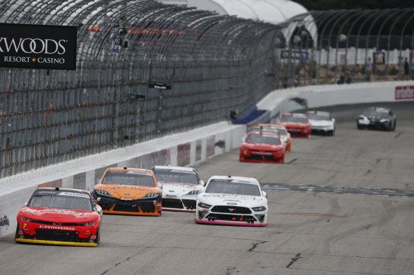 #7: Justin Allgaier, JR Motorsports, Chevrolet Camaro BRANDT, #22: Austin Cindric, Team Penske, Ford Mustang Car Shop
