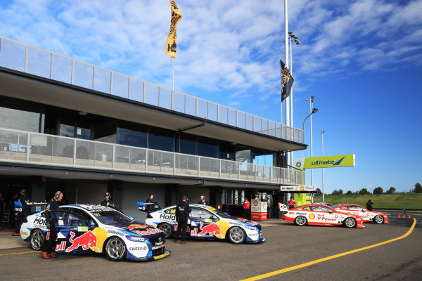 Shane van Gisbergen, Triple Eight Engineering Holden, and Jamie Whincup, Triple Eight Race Engineering Holden