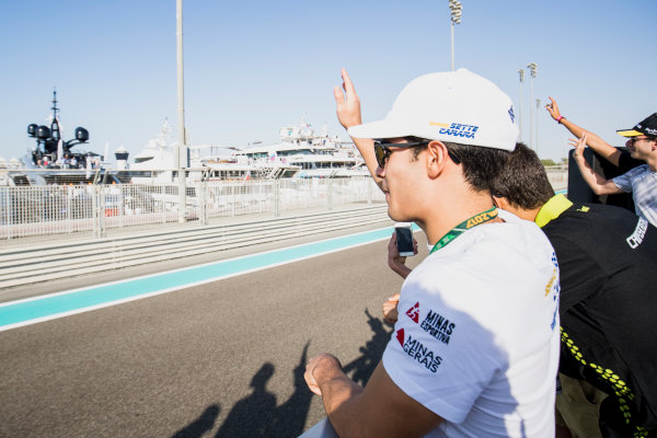 2017 FIA Formula 2 Round 11. Yas Marina Circuit, Abu Dhabi, United Arab Emirates. Saturday 25 November 2017. Sergio Sette Camara (BRA, MP Motorsport).  Photo: Zak Mauger/FIA Formula 2. ref: Digital Image _56I1614