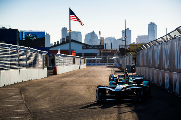 2016/2017 FIA Formula E Championship. Round 10 - New York City ePrix, Brooklyn, New York, USA. Sunday 16 July 2017. Oliver Turvey (GBR), NextEV NIO, Spark-NEXTEV, NEXTEV TCR Formula 002. Photo: Sam Bloxham/LAT/Formula E ref: Digital Image _J6I4167