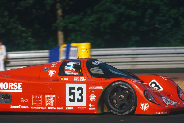 Le Mans, France. 20th - 21st June 1992.Derek Bell/Justin Bell/Tiff Needell (Porsche 962C), 12th position, action. World Copyright: LAT Photographic.Ref:  92LM13.