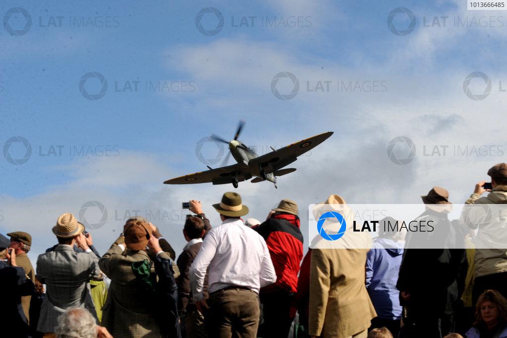 Goodwood Estate, West Sussex, 15th - 18th September 2011 Aviation, atmosphere. World Copyright:Jeff Bloxham/LAT Photographic Ref: Digital Image
