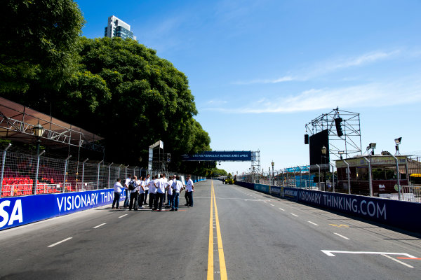 2015/2016 FIA Formula E Championship. Buenos Aires ePrix, Buenos Aires, Argentina. Friday 5 February 2016. A view of the start/finish straight. Photo: Zak Mauger/LAT/Formula E ref: Digital Image _L0U9873
