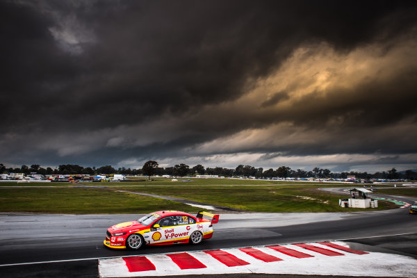 2017 Supercars Championship Round 5.  Winton SuperSprint, Winton Raceway, Victoria, Australia. Friday May 19th to Sunday May 21st 2017. Fabian Coulthard drives the #12 Shell V-Power Racing Team Ford Falcon FGX. World Copyright: Daniel Kalisz/LAT Images Ref: Digital Image 190517_VASCR5_DKIMG_3545.JPG