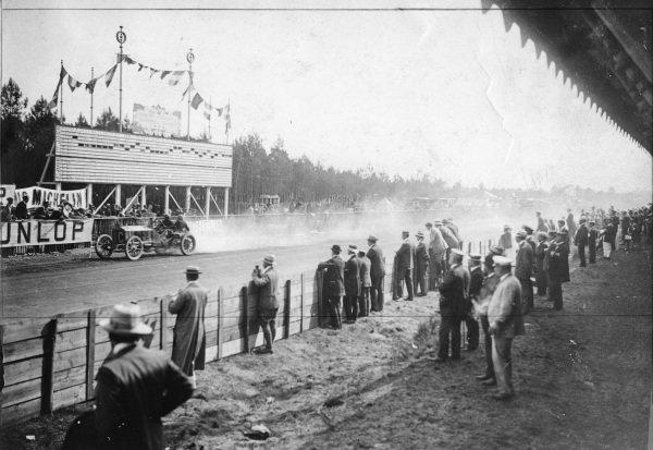 Le Mans, France.26-27 June 1906.Arthur Duray (Lorraine-Dietrich), 8th position.Published-Autocar 7/7/1906 p8. Ref-S65/3369.World Copyright - LAT Photographic