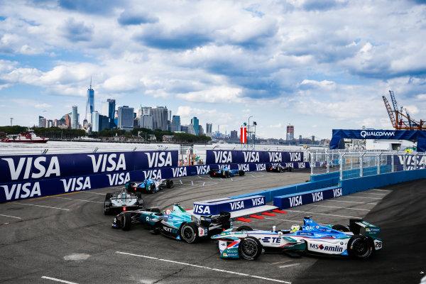 2016/2017 FIA Formula E Championship. Round 9 - New York City ePrix, Brooklyn, New York, USA. Saturday 15 July 2017. Nelson Piquet (BRA), NextEV NIO, Spark-NEXTEV, NEXTEV TCR Formula 002, Antonio Felix da Costa (PRT), Amlin Andretti, Spark-Andretti, ATEC-02. Photo: Steven Tee/LAT/Formula E ref: Digital Image _X0W9999