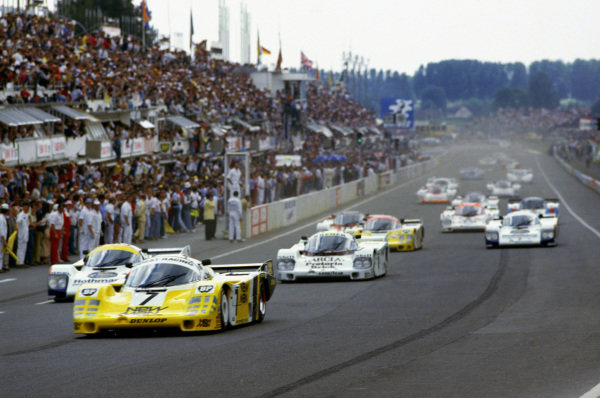 Le Mans, France. 15th - 16th June 1985.Klaus Ludwig/Paolo Barilla/John Winter (Porsche 956), 1st position, leads at the start, action. World Copyright: LAT Photographic.Ref: 85LM09.
