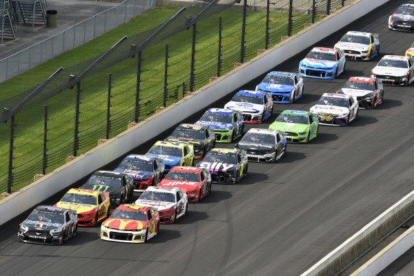 #4: Kevin Harvick, Stewart-Haas Racing, Ford Mustang Mobil 1 and #42: Kyle Larson, Chip Ganassi Racing, Chevrolet Camaro McDonald's