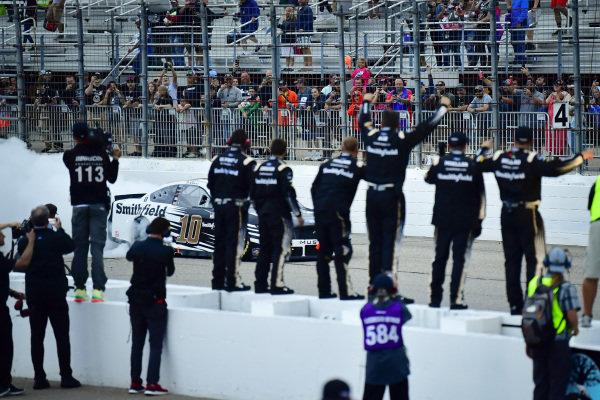 #10: Aric Almirola, Stewart-Haas Racing, Ford Mustang Smithfield celebrates after winning
