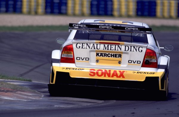 DTM Testing - Oschersleben, 16th April 2000.Five weeks before the start of the season, Four Mercedes-Benz CLK DTM and four Opel Astra VS Coupe, took part in the first major test at Oschersleben.World - Griffiths/LAT