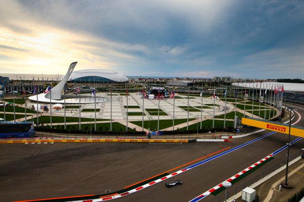 Lewis Hamilton, Mercedes AMG F1 W09 EQ Power+
