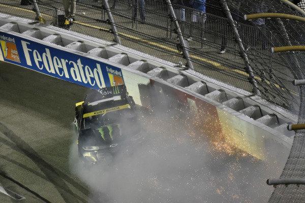 #1: Kurt Busch, Chip Ganassi Racing, Chevrolet Camaro Monster Energy wrecks